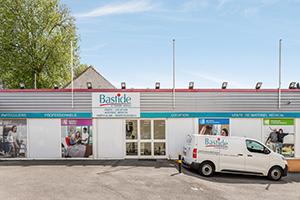 façade devanture magasin parking client camion livraison bastide meaux